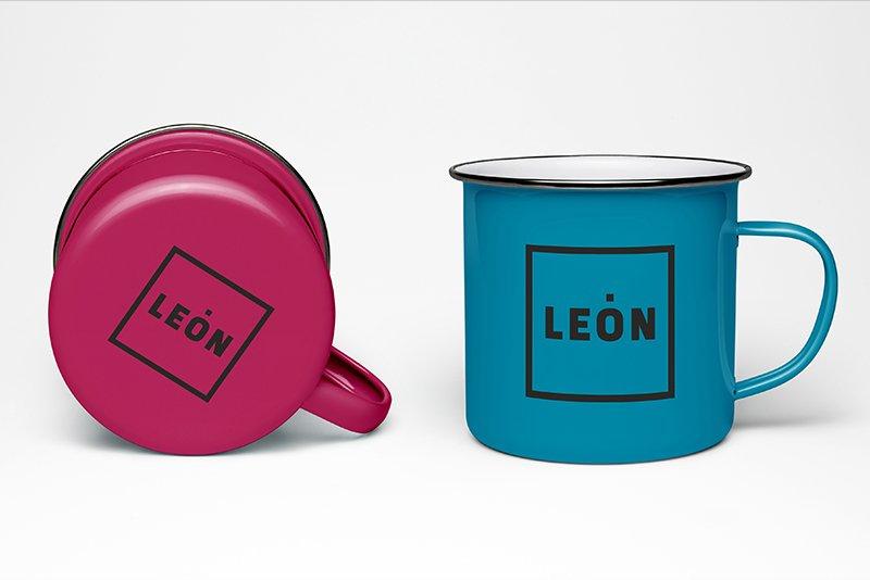 Tazas magenta y azul Marca León